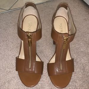 Michael Kors brown and gold sandals 6.5